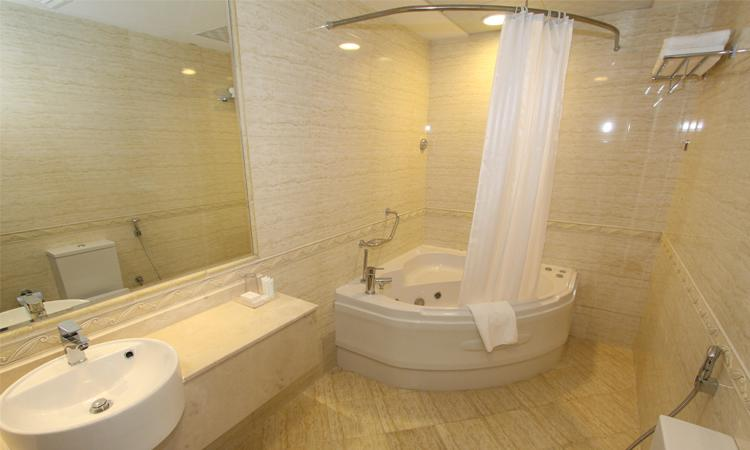 *Ensuite Bathroom